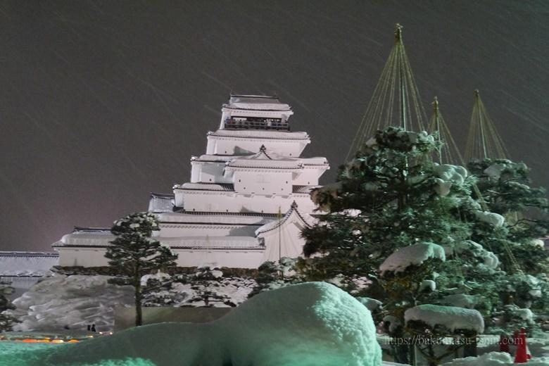 会津若松幕末史跡真冬の積雪の鶴ヶ城